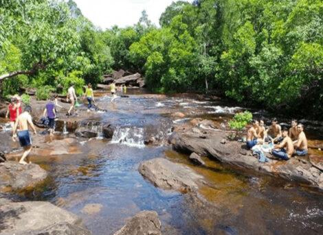 Top 9 Địa Điểm Du Lịch với 5 Bãi Biển & 4 Con Suối Đẹp Nhất ở Phú Quốc
